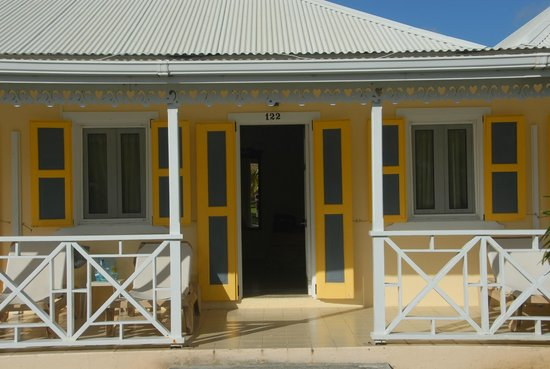 Anguilla Great House Beach Resort: AGH room look thru porch in front & back
