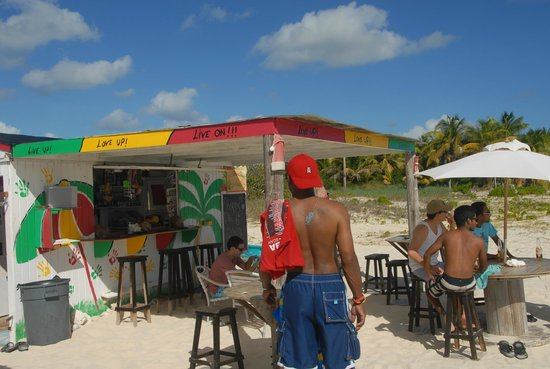 Anguilla Great House Beach Resort: Sun Shine Shack good people & drinks
