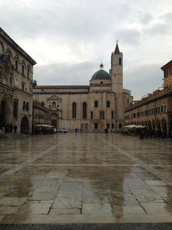 Piazza del Popolo: Scorcio della Piazza