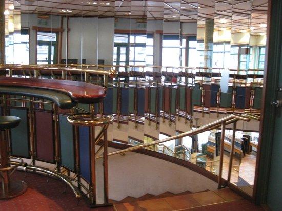 Holmen Fjordhotell: Treppenaus im Nebengebäude