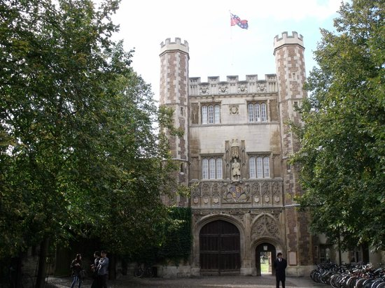 Official Guided Tours of Cambridge: Cambridge Walking Tour.