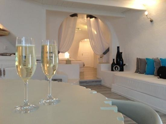 Mill Houses Elegant Suites: welcome drinks at arrival