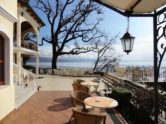 Hotel Miramar: Terrasse