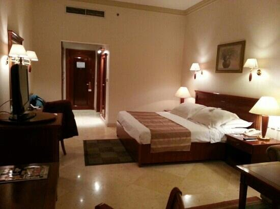 Movenpick Hotel Cairo-Media City: Cluster 18 double bed room