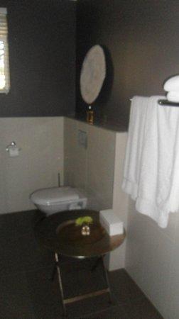 Sea Five Boutique Hotel: WC