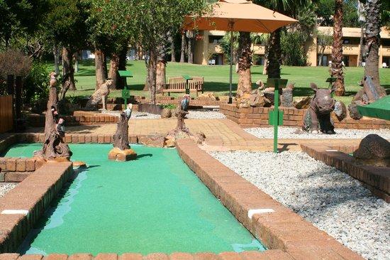 Cabanas, Sun City: Putt-Putt course near to the Cabanas complex and Lake