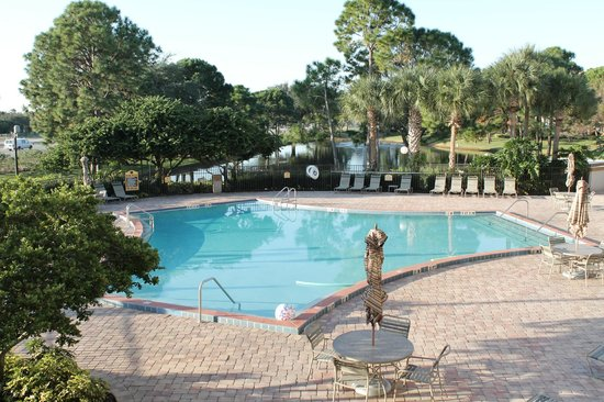 Clarion Inn Lake Buena Vista: The Pool Area