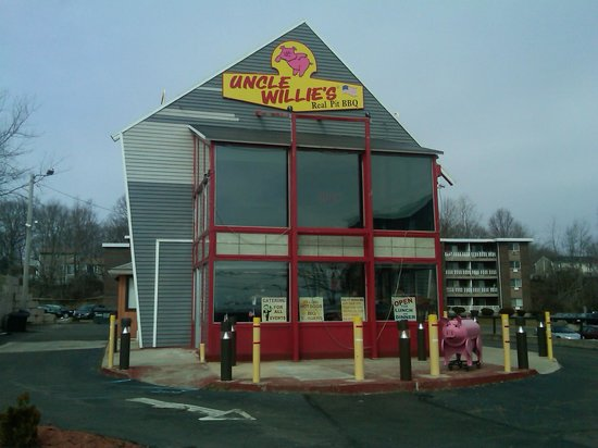 Uncle Willie's BBQ - Facade
