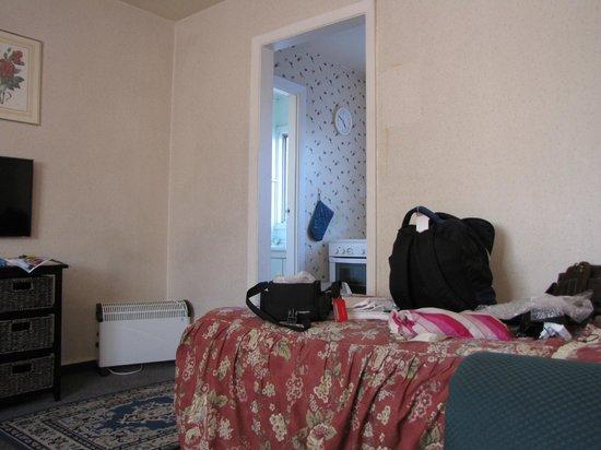 City Worcester Motel: bedroom