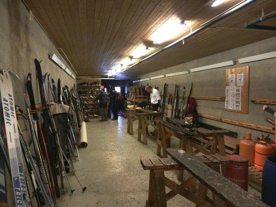 Fefor Hoifjellshotell: Ski room