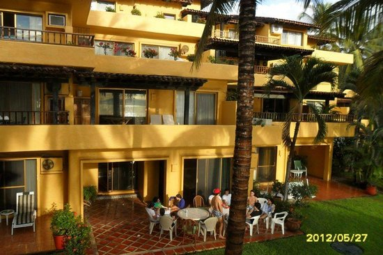 Los Tules Resort: Spacious balcony's Los Tules