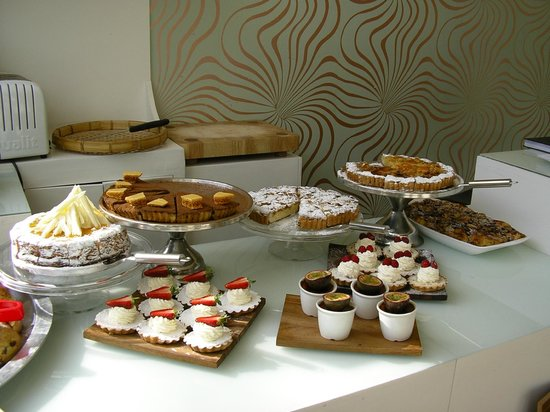 Fig & Olive: dessert and salad buffet