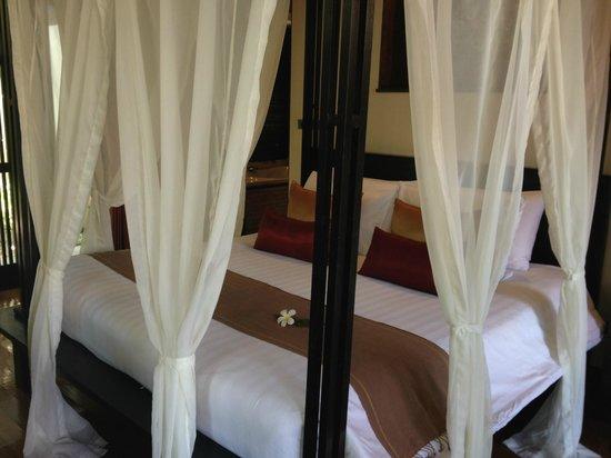 كيريكايان لوكشري بوول فيلاز آند سبا: Main bedroom