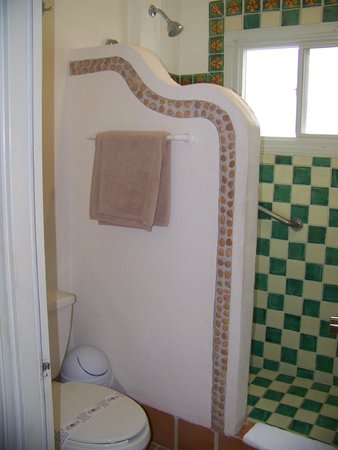 Petit Lafitte: Our room bathroom