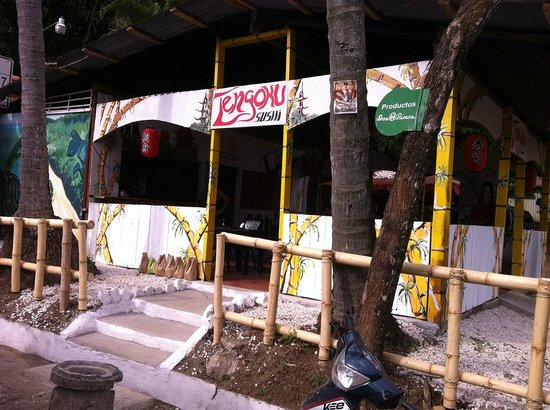 Tengoku Sushi is right in the center of Playa Montezuma