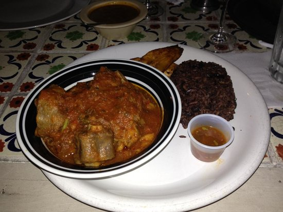 Boricuba: Oxtail stew served with rice and black beans, Cuban style.  Yum!