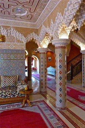Dar Ouladna: Hotel lobby
