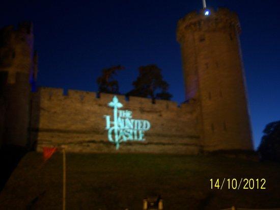 Warwick Arms Hotel: Warwick Castle