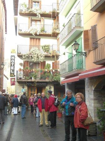 Hotel Can Mestre: Hotel en el casco Medieval de Pont de Suert