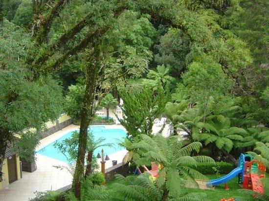 Hotel Recanto da Serra: Vista das Piscina externa e Playgraund