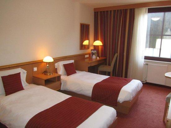 Mercure Budapest City Center: 2 beds room