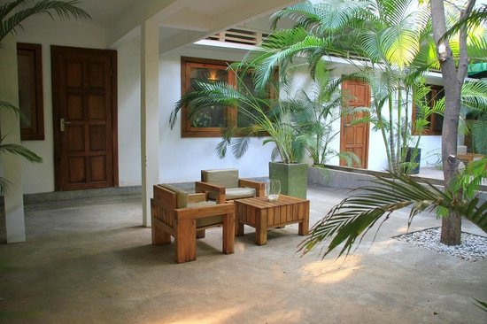 The Kabiki: Entrance and terrace of our room.