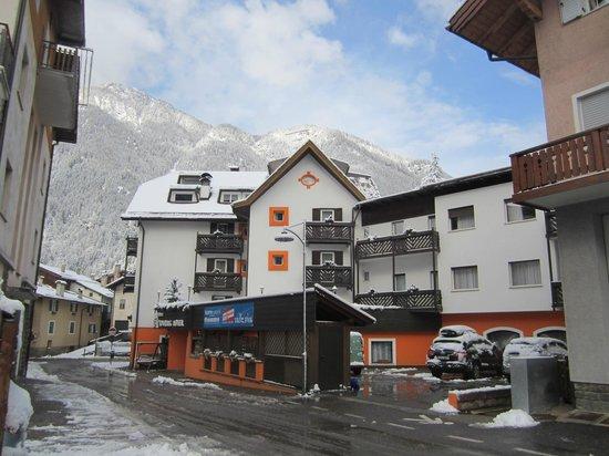 Hotel Touring: Vista esterna