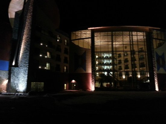 Sky Ute Casino & Resort: Outside at night looking into the atrium