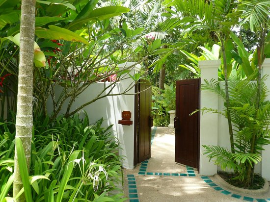 Santiburi Koh Samui:                   entrance of the villa