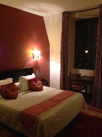 Le Grand Hotel de l'Abbaye: the room