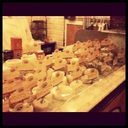 Artisinal: more cheese!