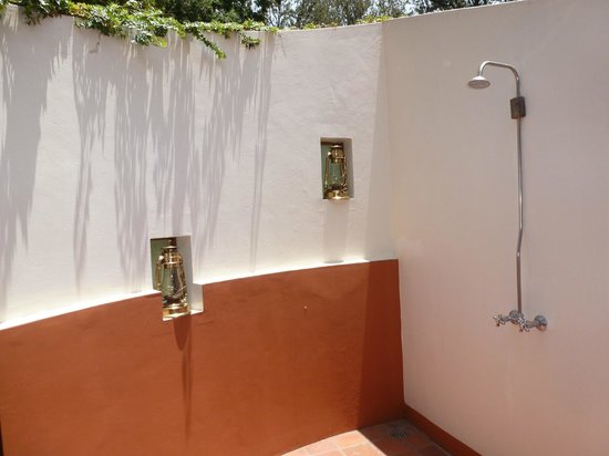Legendary Lodge: outdoor shower