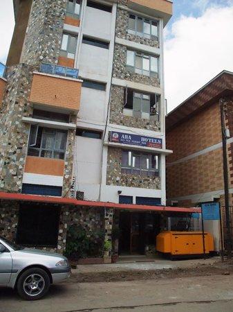 ABA Safari & Accommodation: Front of hotel