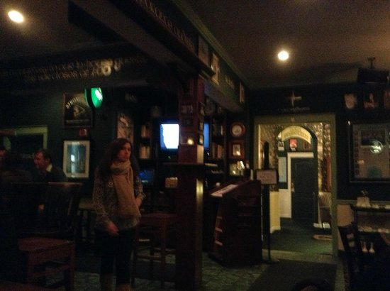 County Clare Irish Inn and Pub 사진