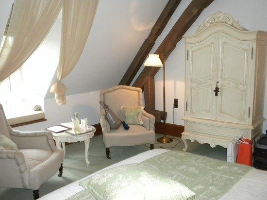 Abbaye de la Bussiere: Room