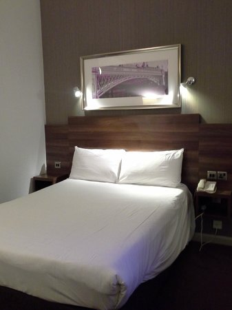 Jurys Inn Leeds: Bed #113