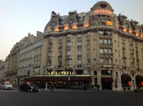 Hôtel Lutetia: View from across street