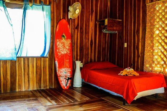 Disfrutalo Ranchos y Villas: Sala -  Habitacion Villa Madera