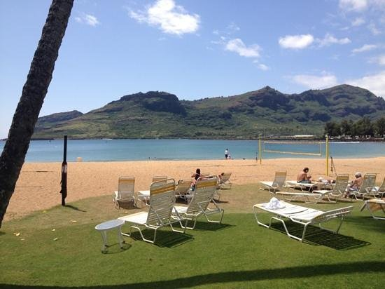 Kauai Marriott Resort: beach view from pool
