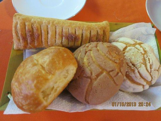 Amar Inn B&B: Fresh pastries every morning at Amar Inn