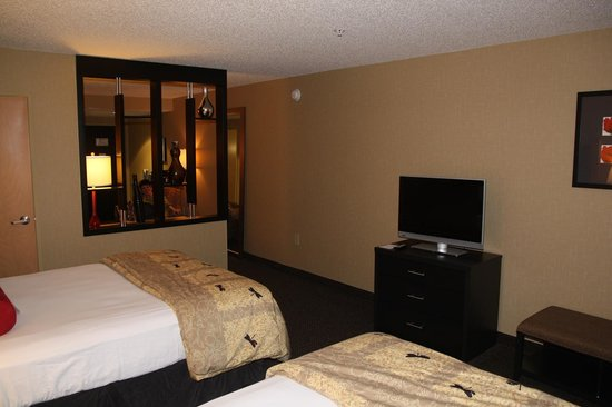 DoubleTree by Hilton Hotel Savannah Airport : Bedroom