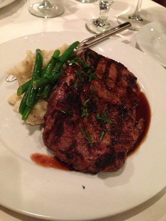 Midtown Bistro:                   Ribeye w/Garlic Mashers and Green Beans - YUM!
