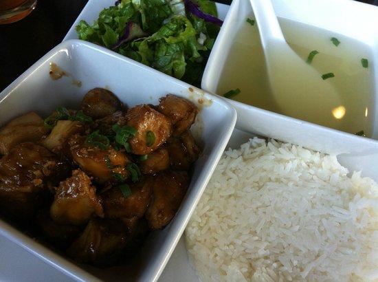 Saigon Kitchen : Lemongrass Chicken
