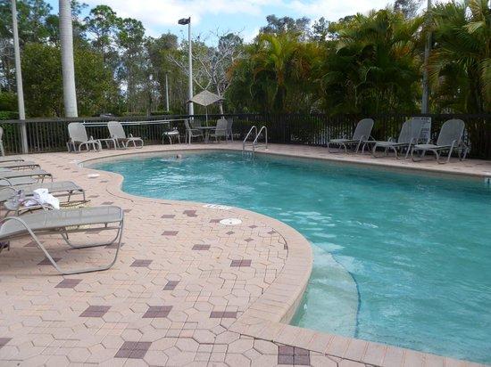 Days Inn & Suites Fort Myers near JetBlue Park: outdoor heated pool