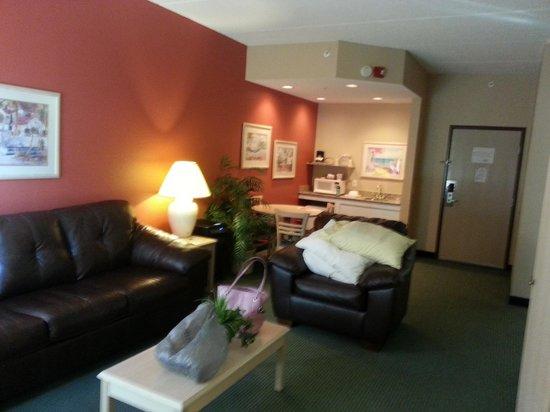 La Quinta Inn & Suites Sarasota I-75: 2bdrm suite.