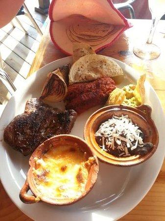 Paprika Mexican & Caribbean Cuisine: mexican