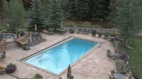 Lion Square Lodge: pool, hot tubs