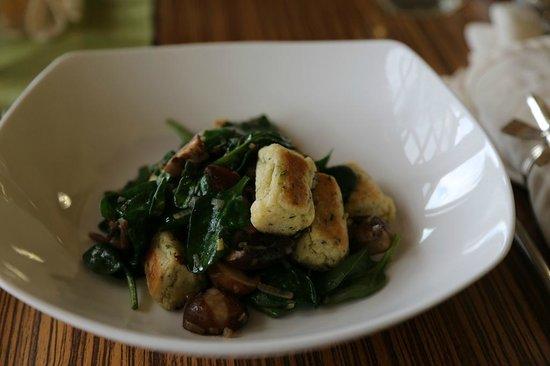 Star Bistro :                   Spinach & mushroom gnocchi