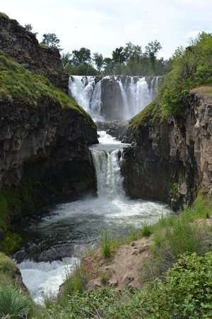 White River Falls State Park: Triple Cascades.