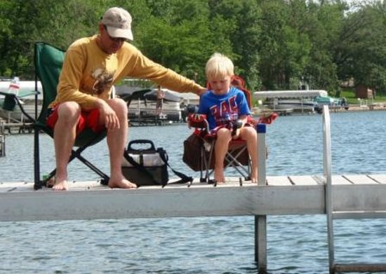Dickerson's Lake Florida Resort: Dock fishing with dad